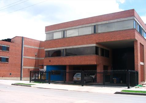 centro-empresarial-alamos-03