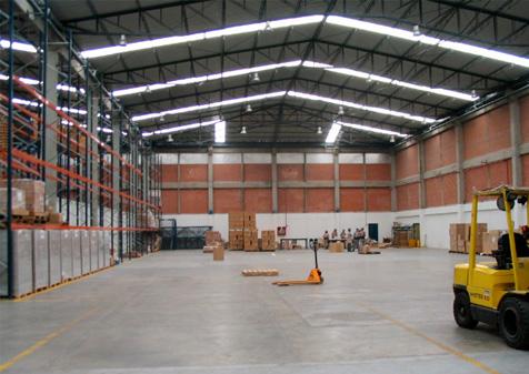 centro-empresarial-alamos-04